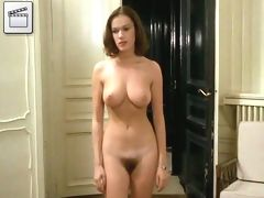 elegan woman show sexy body